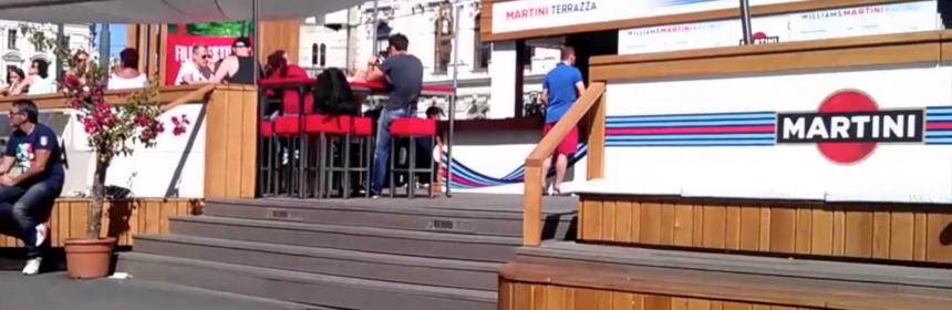 """Martini Terrazza"" mit Stufen am Rathausplatz / Foto: Martin Habacher"