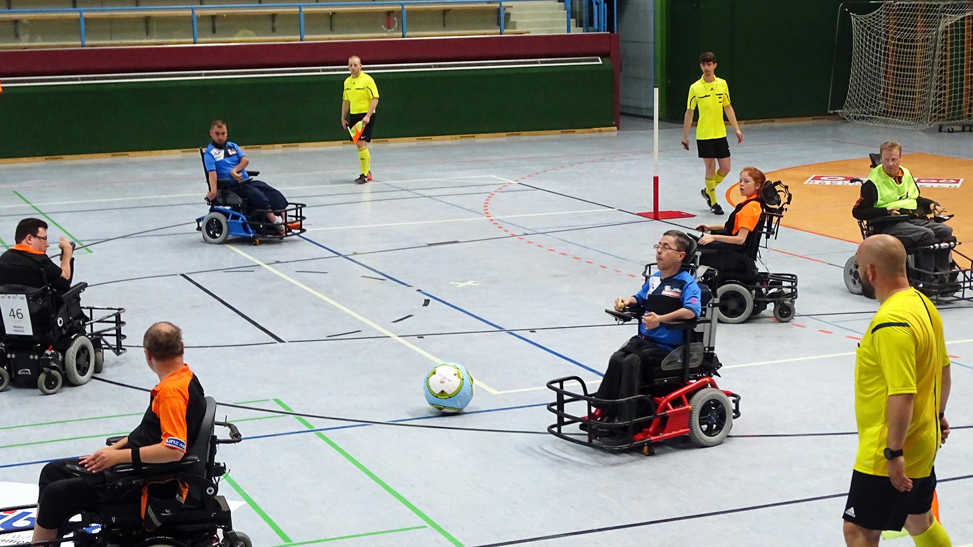 Hinrunde der E-Rolli Fußball Liga 2018: Thunder E-agles gegen Steelchairs Linz 1